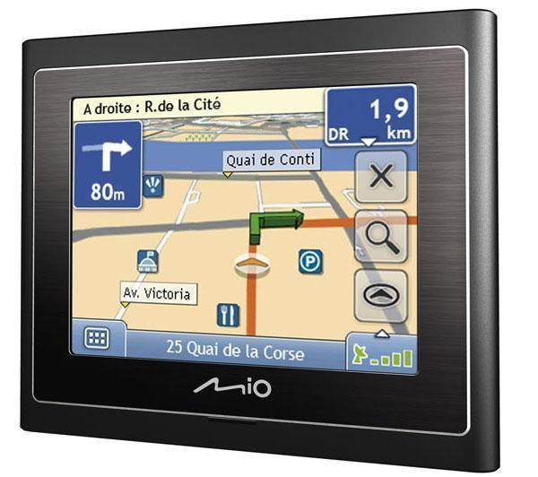 Gagne un GPS Moov200 Europe avec TopAchat et la Fredzone !
