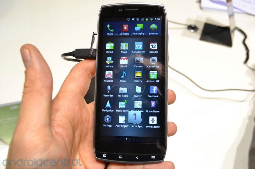 Acer Iconia Smart, un smartphone énorme !