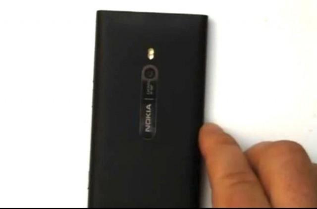 Leaked : le Nokia sous Windows Phone 7 en photo et vidéo ?!