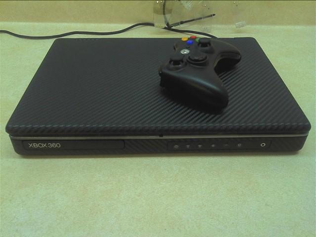 Une Xbox 360 Slim portable ultra fine
