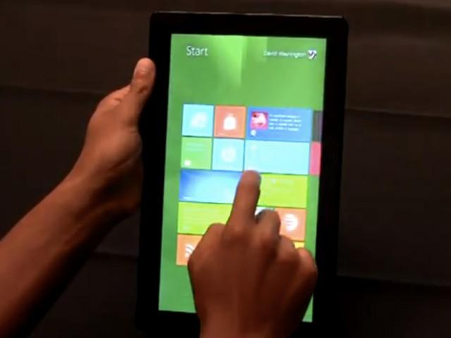 vid o windows 8 sur une tablette tactile. Black Bedroom Furniture Sets. Home Design Ideas