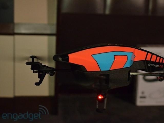 Parrot AR Drone 2.0 : caméra 720p et nouveau design au programme