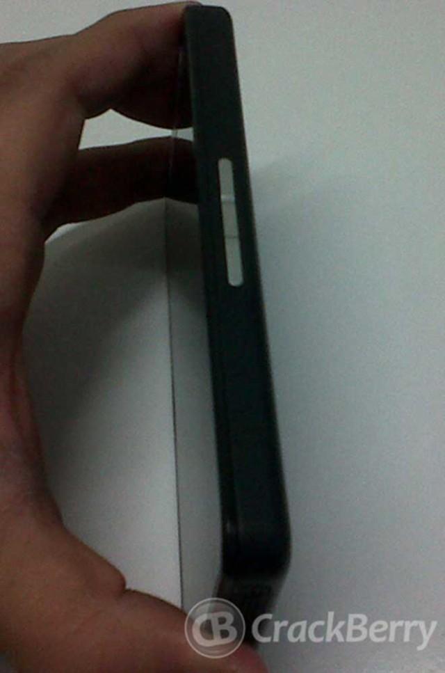 Quelques photos du BlackBerry 10 Alpha pour développeurs