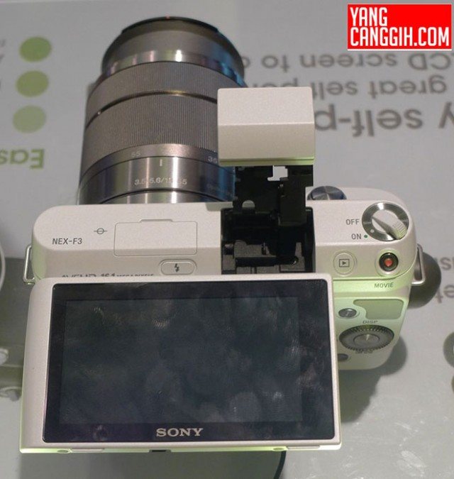 Encore des photos du Sony NEX-F3