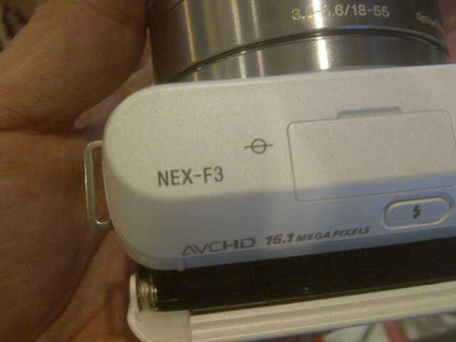Sony NEX-F3 : une photo du prochain hybride de Sony ?