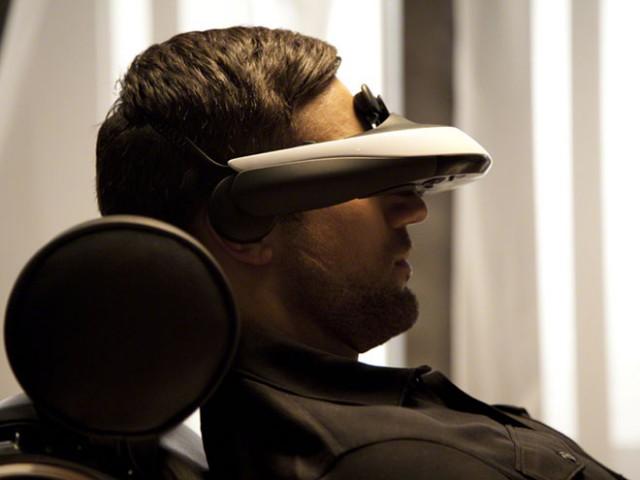 Casque HMZ-T1 : prise en main rapide du visio-casque de Sony