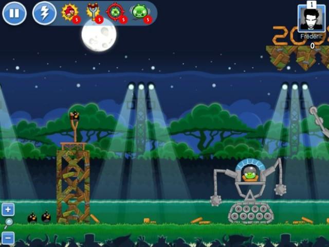 Angry Birds Friends débarque sur Facebook