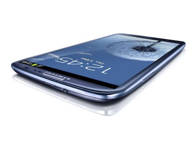 Samsung Galaxy S3 : écran de 4.8 pouces, processeur Exynos quad core