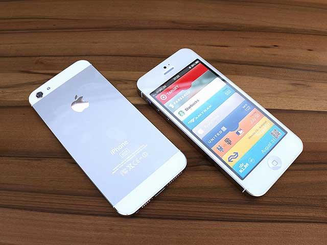 Des photos de l'iPhone 5 blanc ?! Presque !
