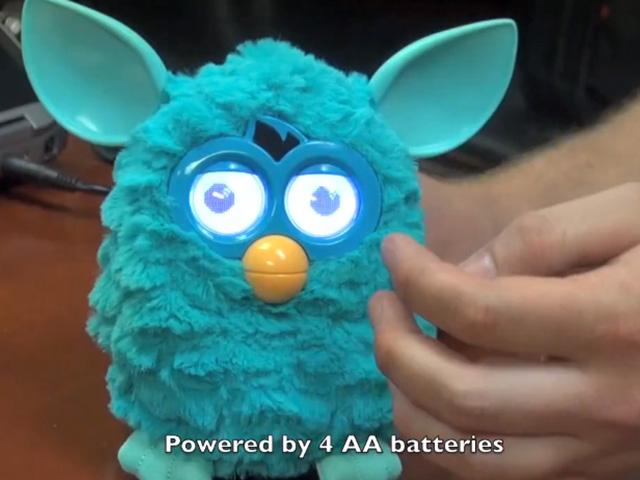 Furby est de retour, et il est encore plus flippant !