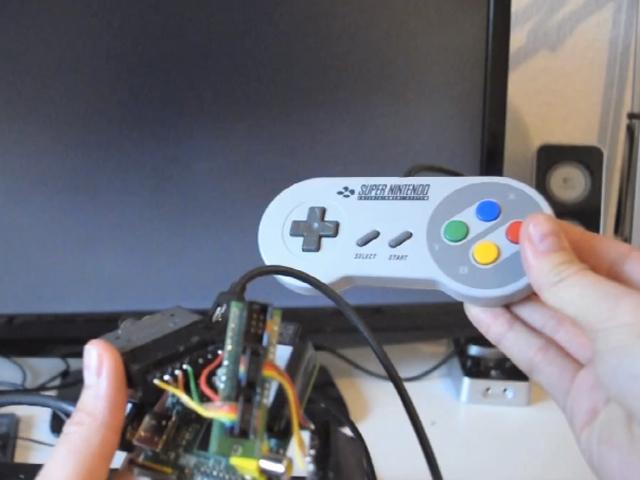 Raspberry Pi : un adaptateur pour manettes SNES ?!