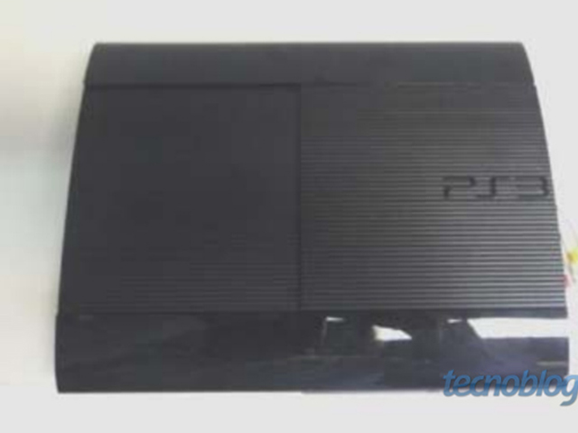 Les photos de la PlayStation 3 Super Slim ?