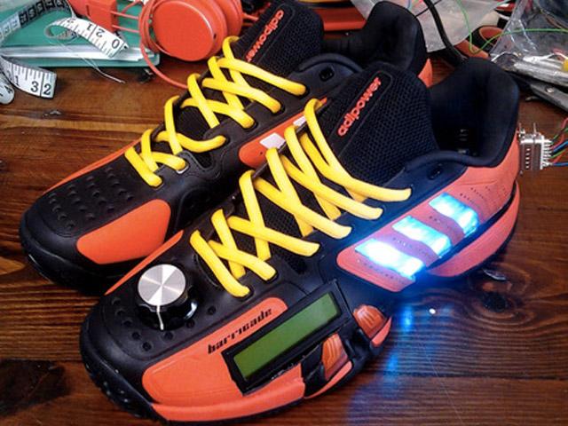 Adidas : un concept de chaussures capables d'afficher des tweets