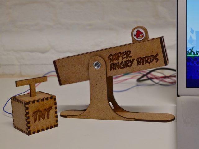Super Angry Birds : le contrôleur extrême pour Angry Birds