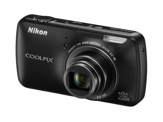 Nikon Coolpix S800 : il est officiel !