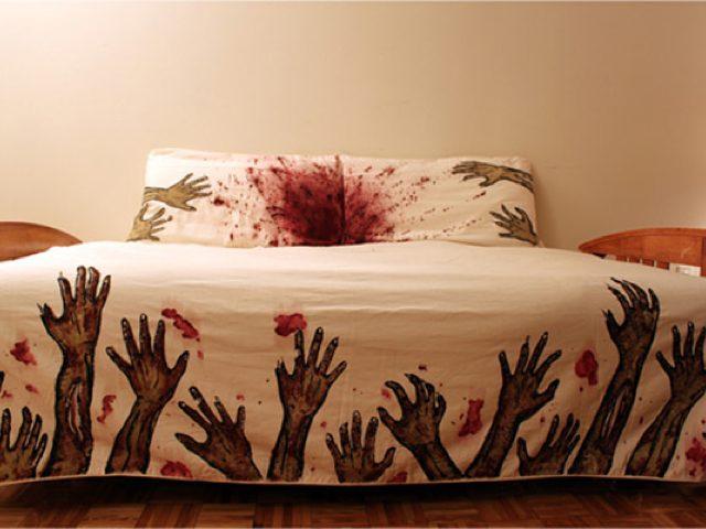 In Bed width The Walking Dead