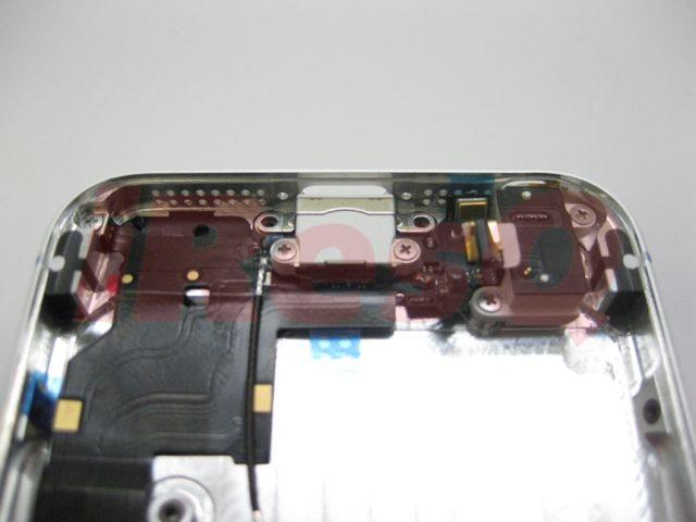 iPhone 5 : les pièces détachées du nouvel iPhone assemblées