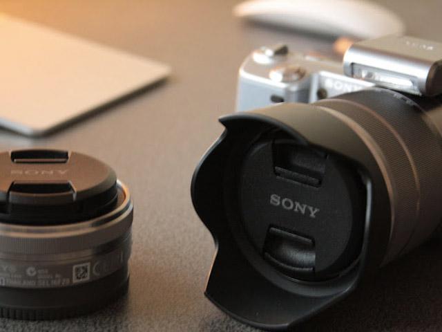 Sony NEX-5R et Sony NEX-6 : vers une puce WiFi intégrée ?