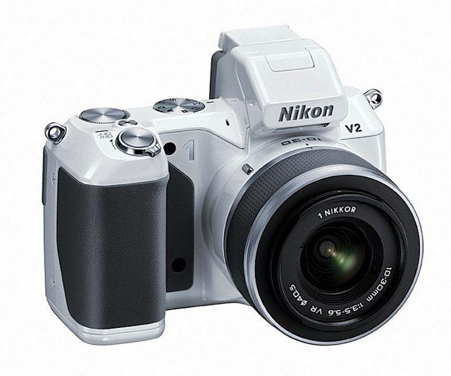 Nikon 1 V2 : le renouveau de l'hybride chez Nikon