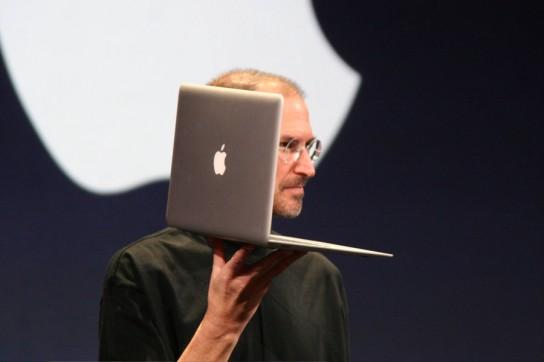 steve-jobs-macbook-air-544x362