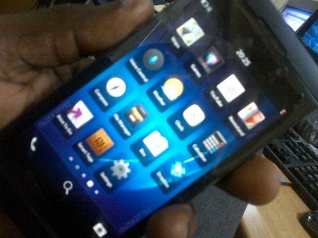 BlackBerry 10 L-Series : encore quelques photos floues