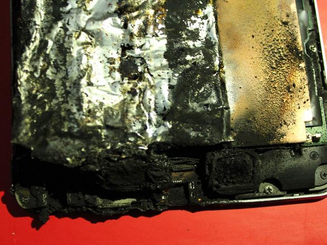 Intérieur de la Nexus 7 brûlée