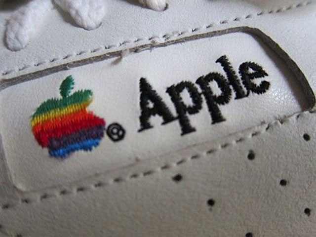 Baskets Apple : vue de côté