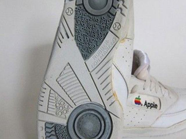 Baskets Apple : vue de dessous