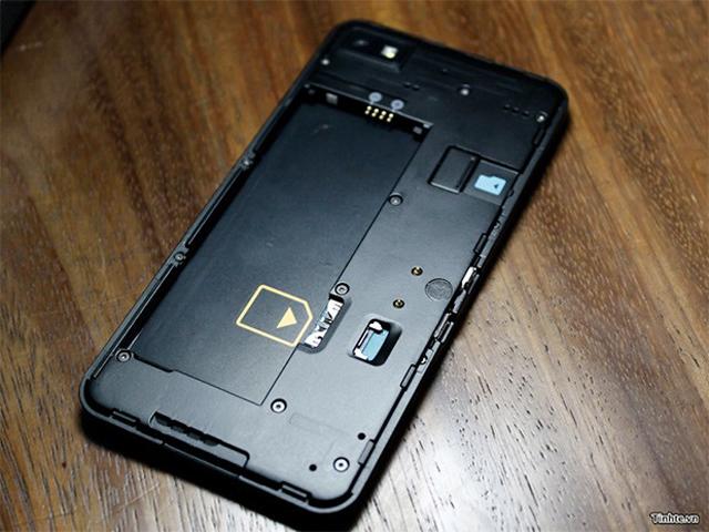 BlackBerry 10 L-Series : sous la coque, les ports