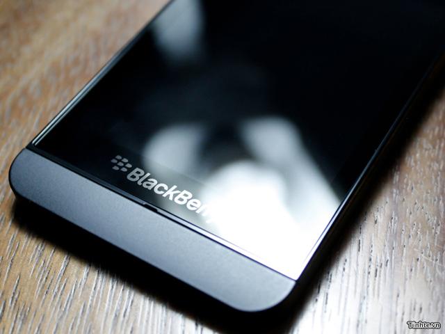 BlackBerry 10 L-Series : la part belle au métal (bis)