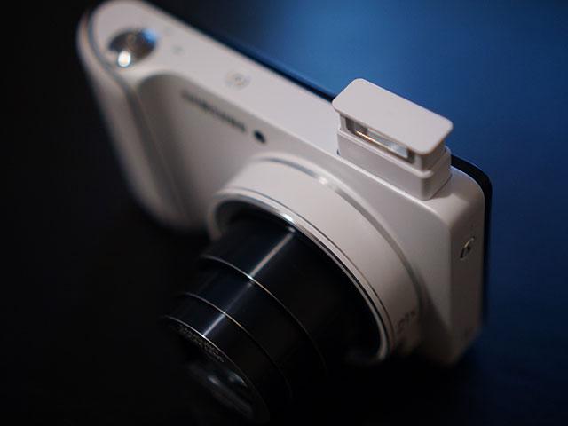 Samsung Galaxy Camera : le flash interne