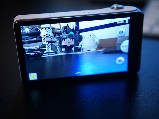Samsung Galaxy Camera : prêt à l'action