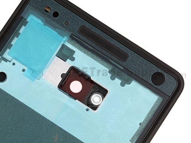 HTC M7 : l'intérieur de la coque arrière