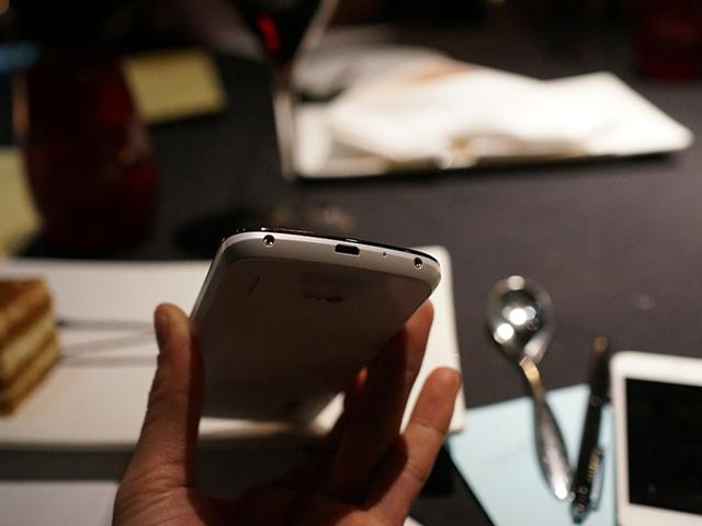 Nexus 4 blanc : vue de haut