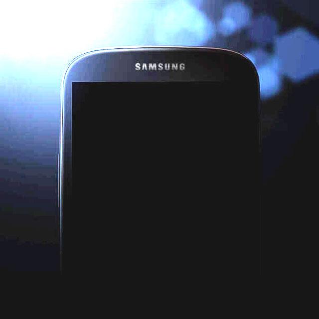 Samsung Galaxy S4 : même version, surexposée