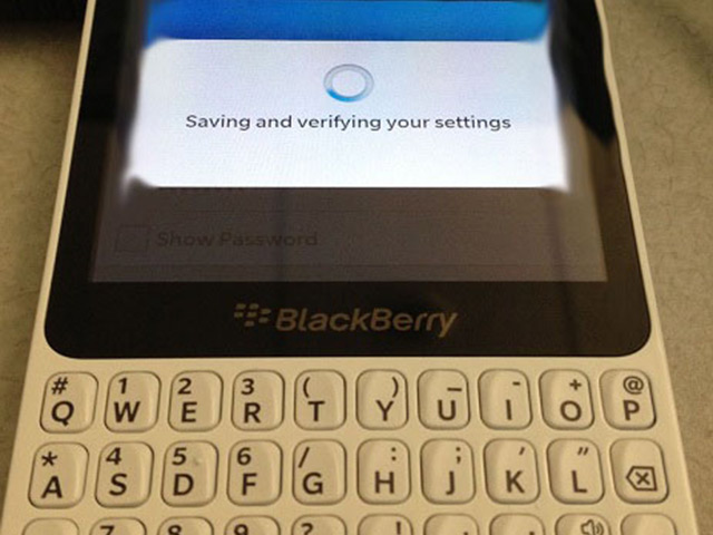 BlackBerry R10 : le BlackBerry 10 Curve