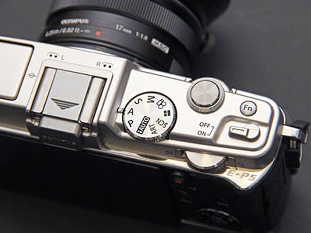 Olympus E-P5 : photo de la tranche supérieure