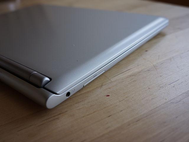 Samsung Chromebook : port SD, prise casque