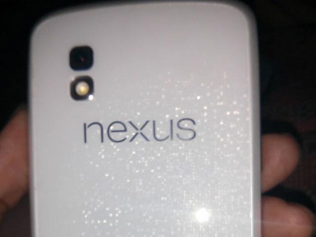 Nexus 4 blanc : une première image