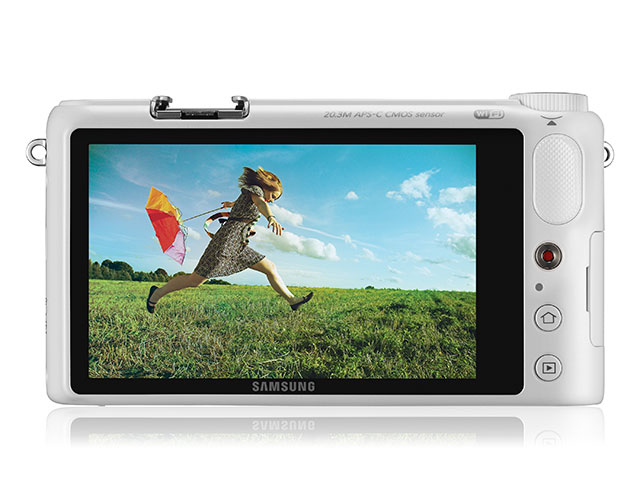 Samsung NX2000 : vue de dos