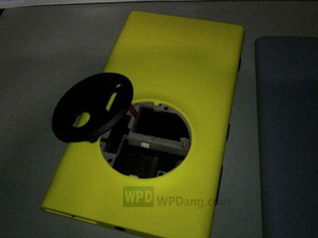 Photo coque arrière Nokia EOS 2