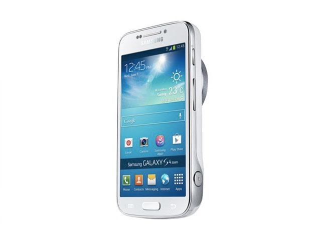 Samsung Galaxy S4 Zoom : vue de trois quarts