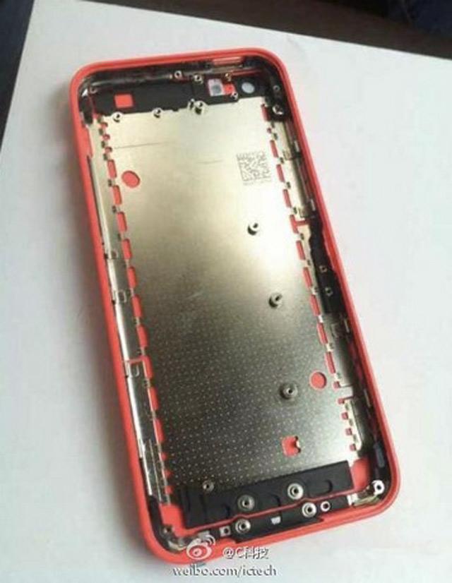 iPhone 5C rouge : une quatrième image