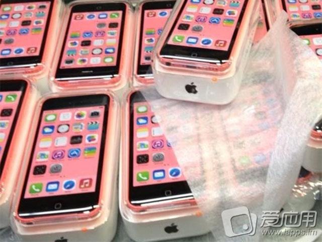 iPhone 5C : photo des boites
