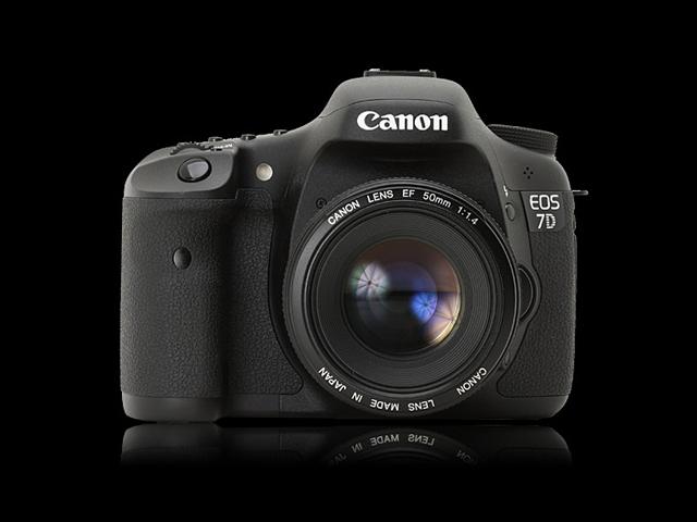 Spécifications techniques Canon EOS 7D Mark II