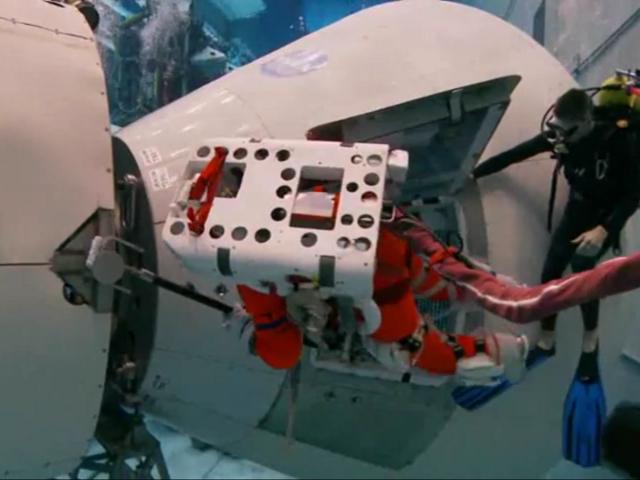 Des astronautes s'entraînent pour aller sur un astéroïde