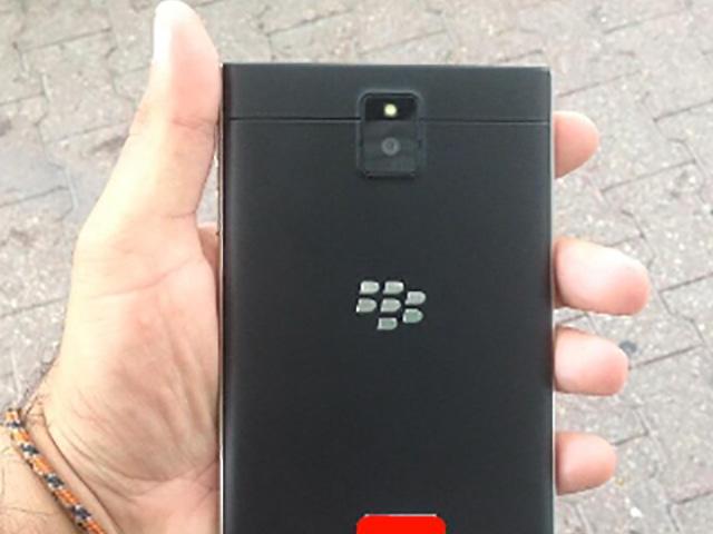 BlackBerry Passport : image 2