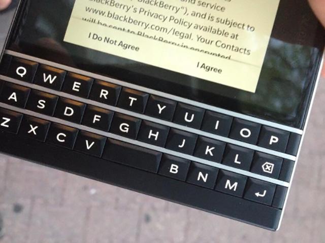 BlackBerry Passport : image 3