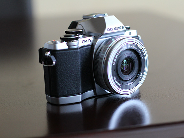 Olympus OM-D E-M10 - image 1