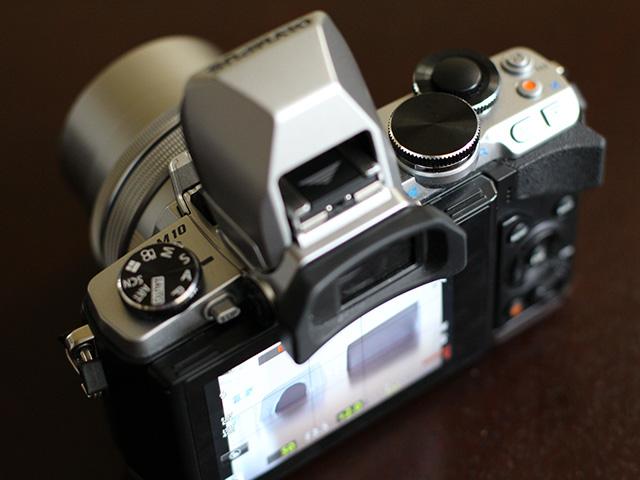 Olympus OM-D E-M10 - image 7